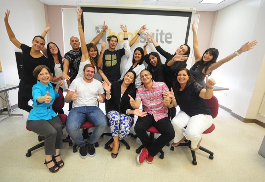 Sagradeños se gradúan de Hootsuite