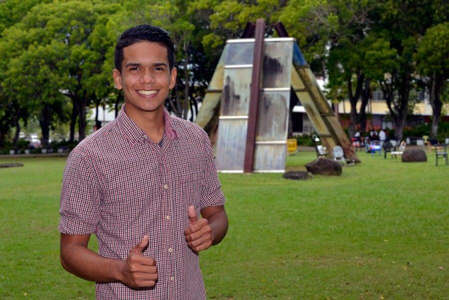 Rudy Nieves, estudiante de Sistemas de Justicia con concentración menor en Periodismo. Foto: Néstor Méndez
