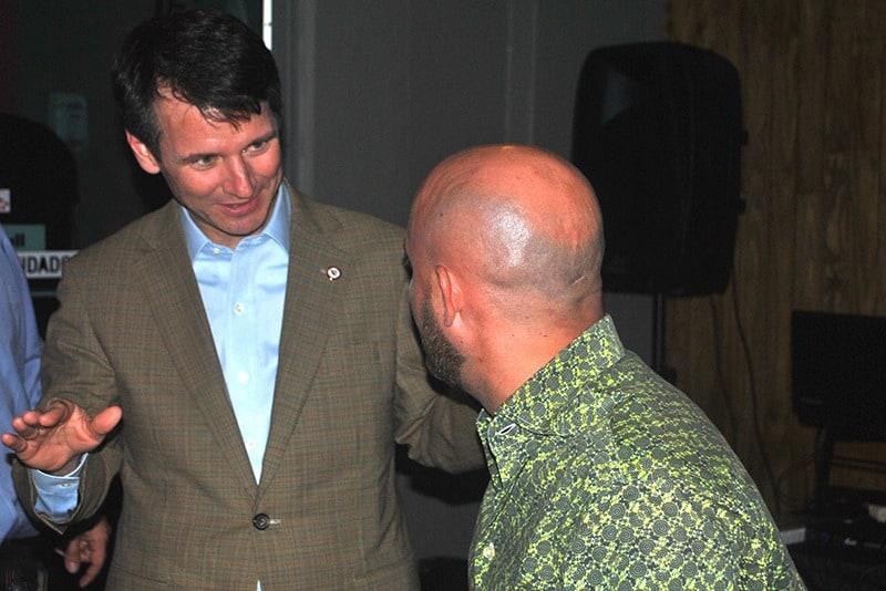 El presidente Gilberto Marxuach compartió con los exalumnos.