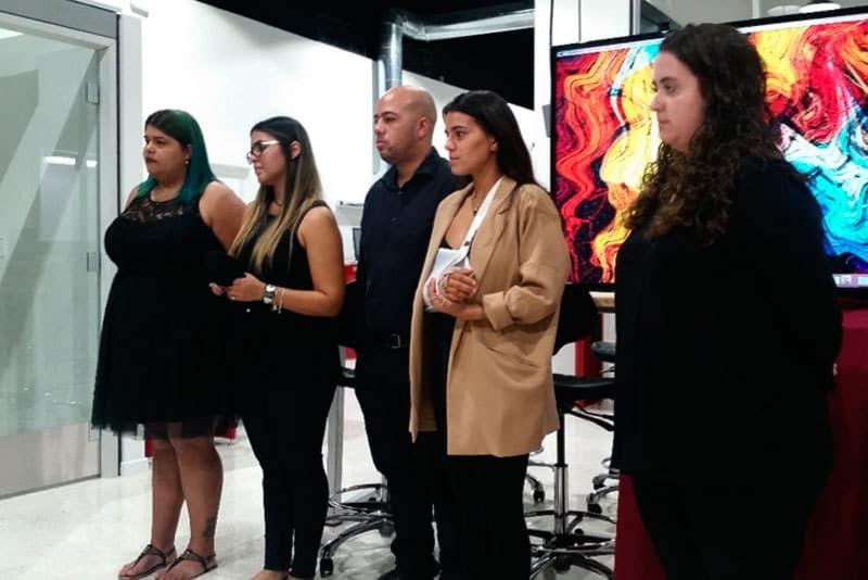 UsAd Agency compuesta por (izquierda a derecha en la foto): Dalyz Martínez, Valeria Colón, Andres Perez, Camille Carrasquillo y Cristina Pagán.