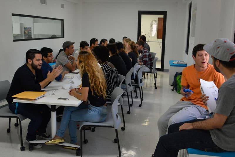 Sobre 70 estudiantes participaron de la actividad… Foto: Néstor Méndez