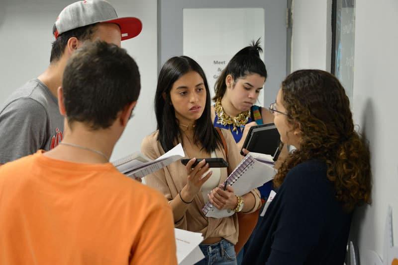 … y demostraron interés en llevar su experiencia académica más allá del campus de Sagrado Corazón. Foto: Néstor Méndez
